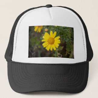 Daisy flower cu yellow trucker hat