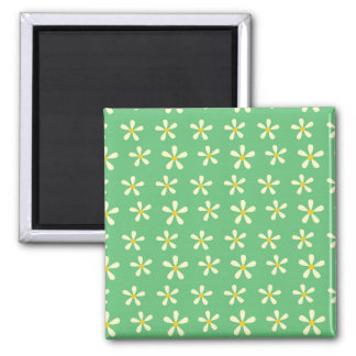 Daisy Pattern Yellow & White Daisies on Green Square Magnet