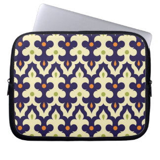 Damask paisley arabesque Moroccan pattern girly Laptop Sleeve