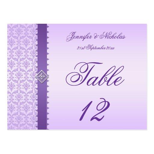 Damassé et ruban lilas de carte postale de nombre