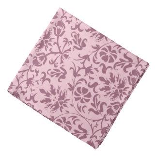 Damassé florale rose foncée sur le rose foulard