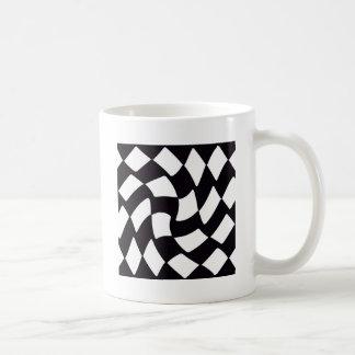 Damier déformé noir et blanc mugs à café