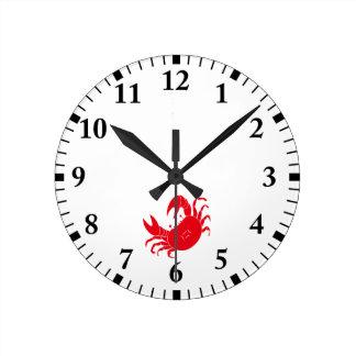 Dance crab round clock