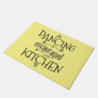 Dance in the kitchen - door mat