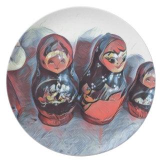 Dancing dolls plate