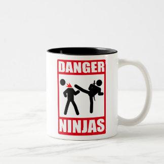 Danger Ninjas Mug Bicolore