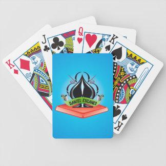 Daniel Escánez shuffles Bicycle Playing Cards