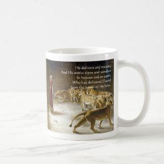 Daniel in the Lion's Den Bible Art Scripture Coffee Mug