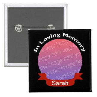 Dans la mémoire du bouton noir de photo avec le no macaron carré 5 cm