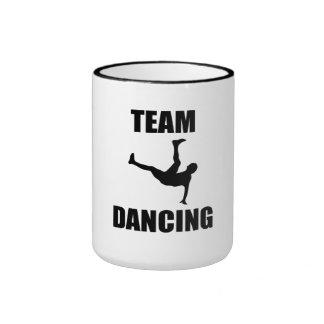 Danse d'équipe tasse à café