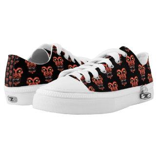 Dark Conversational Pattern. Low-Top Sneakers