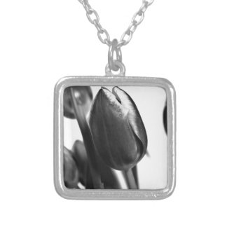 DARK ELEGANTLY TULIPS SILVER PLATED NECKLACE