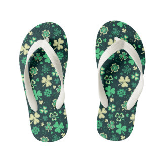 Dark green St Patrick lucky shamrock pattern Kid's Flip Flops
