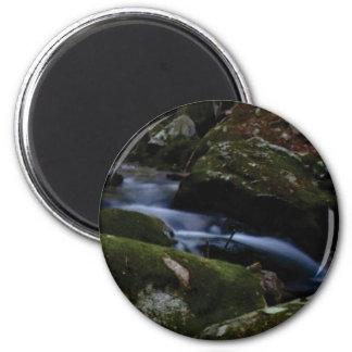 dark green stream magnet