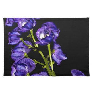 Darken purple blooms placemat