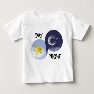 Day & night baby T-Shirt