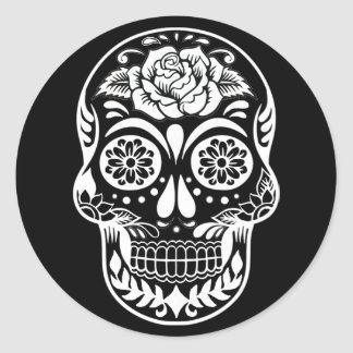 Day of the dead skull in modern black and white classic round sticker