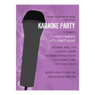 De roche fête d'anniversaire pourpre de karaoke carton d'invitation  13,97 cm x 19,05 cm
