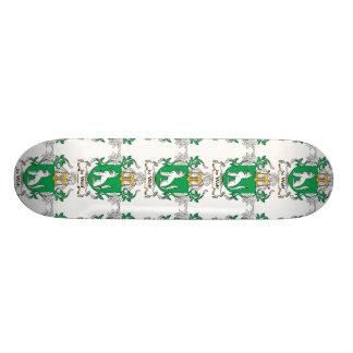 de Wolf Family Crest Skateboard