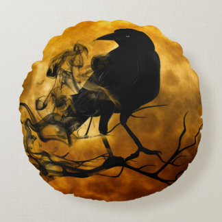 Dead moon crow round pillow
