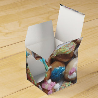 Decorated Cake Pops, Favor Box