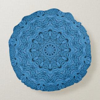 Decorative Knot Kaleidoscope Pattern Round Pillow