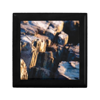 deep rock crevice gift box