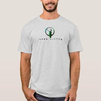DEER HUNTER (GREEN) T-Shirt