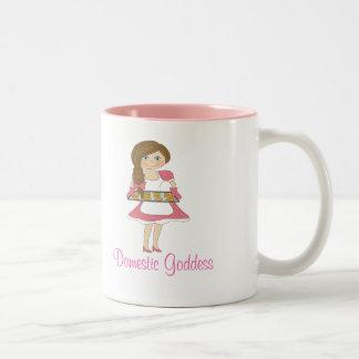 Déesse domestique cheveux bruns tasse à café