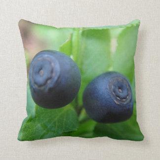 Dekokissen two forest bilberries throw pillow