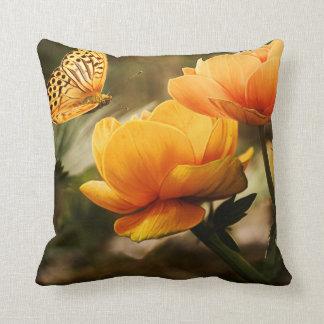 Dekokissen with flowers throw pillow