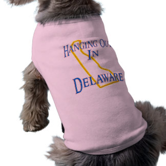 Delaware - Hanging Out Doggie T-shirt