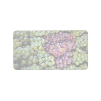 Delicious grapes fruit label