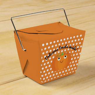 """Delicious Treats Inside!"" Halloween Favor Box"