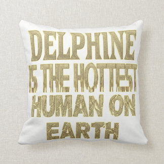 Delphine Pillow