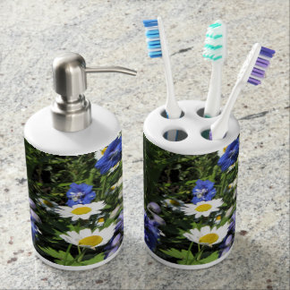 Delpininiums and Daisies Bathroom Set