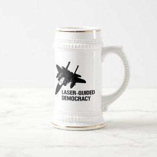 Démocratie/paix à guidage laser par la puissance d mug à café