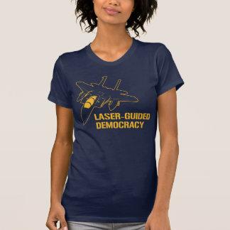 Démocratie/paix à guidage laser par la puissance d t-shirts