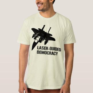 Démocratie/paix à guidage laser par la puissance tee-shirts