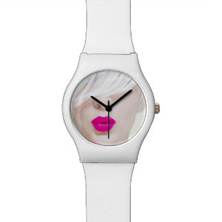Demure Posh Wrist Watch