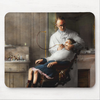 Dentist - Good oral hygiene 1918 Mouse Pad
