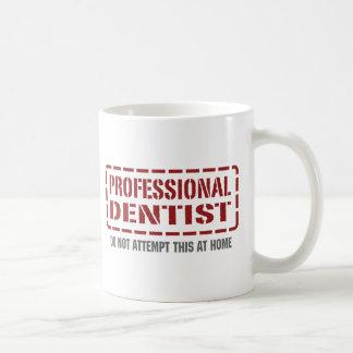 Dentiste professionnel tasse