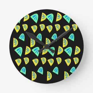 Design lemons on black round clock