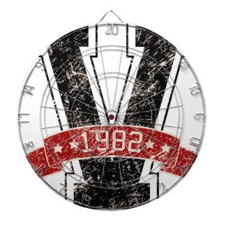 design vintage dartboard