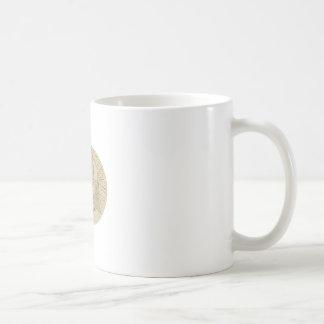 Dessin ovale de malaxage de la pâte de pain de mug blanc
