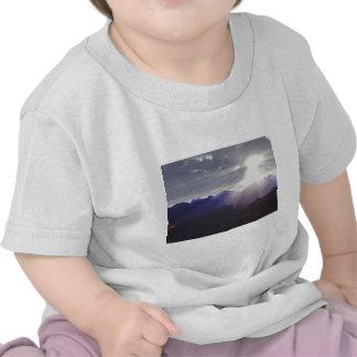 Dessus du monde t-shirts