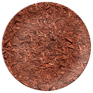 detail image of red cedar mulch for gardener plate