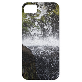 Detail of a small waterfall case for the iPhone 5