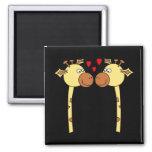 Deux girafes avec les coeurs rouges d'amour. Bande Aimants Pour Réfrigérateur