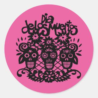 Dia de los Muertos Black Paper Skulls Round Sticker